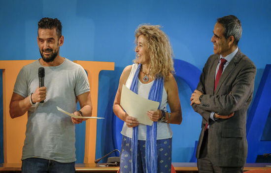 Premio atrÉBT en la modalidad de ideas con C3BOT, propuesta realizada por Marta Sánchez-Saus Laserna, Cristian Marín y Mario Crespo.